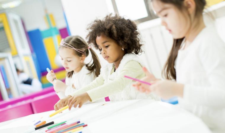 Qual a importância da Escola de Educação Infantil na vida das crianças?